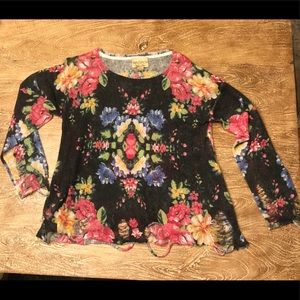"""Wildfox 🦊Floral Sweater w/ """"hip"""" Tattering 🧚♀️"""